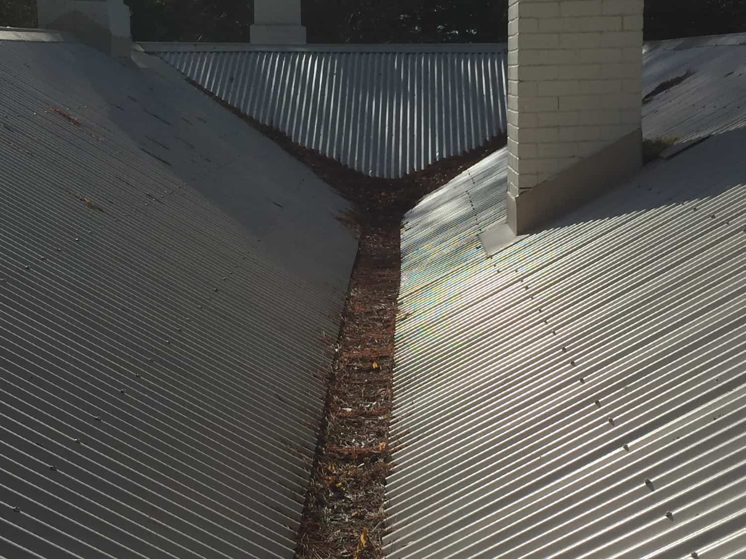House Gutter Cleaning